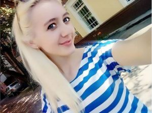 Bonni-Blondi вебкам модель