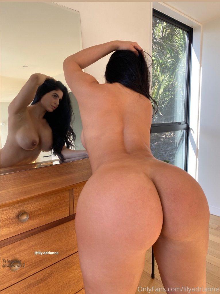 Lily Adrianne голая